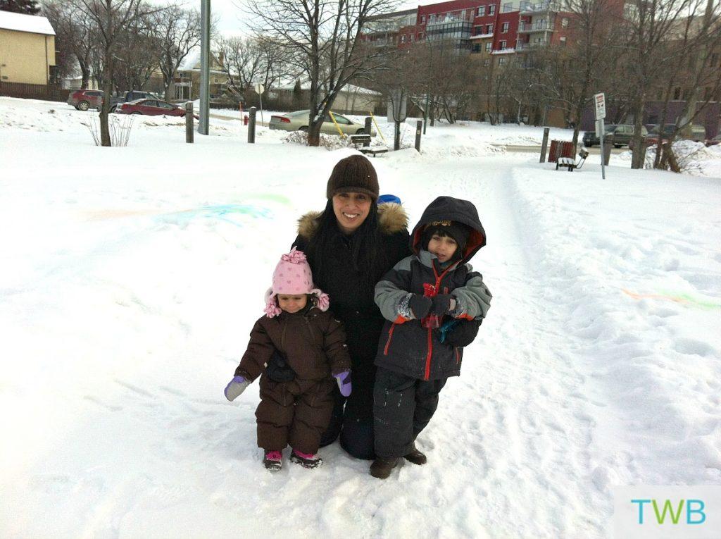 snow-painting-family-photo