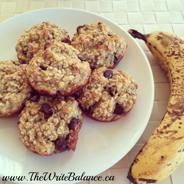 oatmeal banana breakfast muffins 2