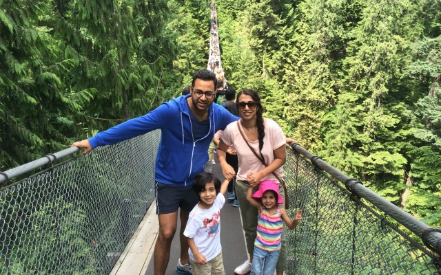 cap suspension bridge walk