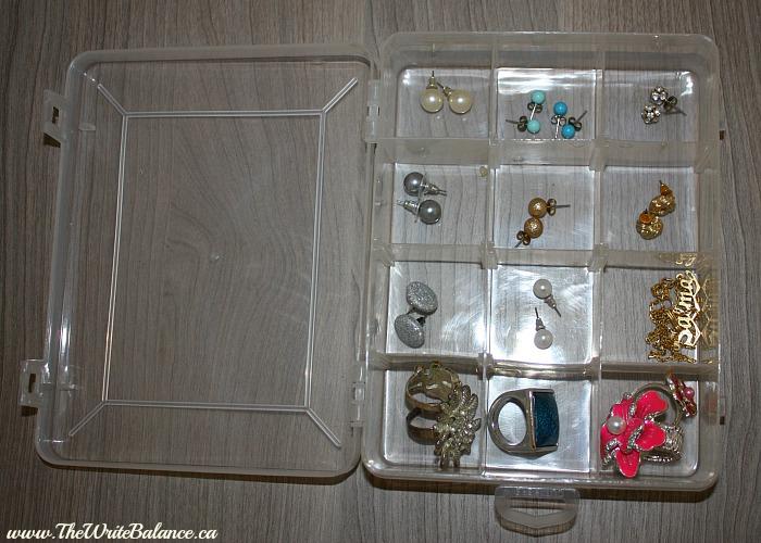 organize studd earrings 1
