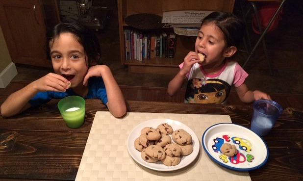 kids eating gluten-free cookies