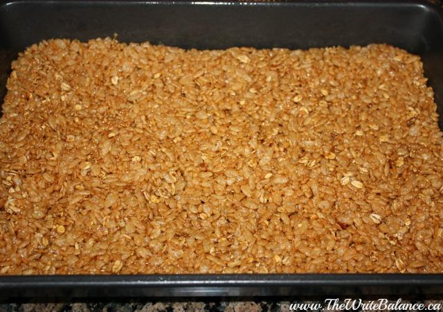 rice snacks bars in tray