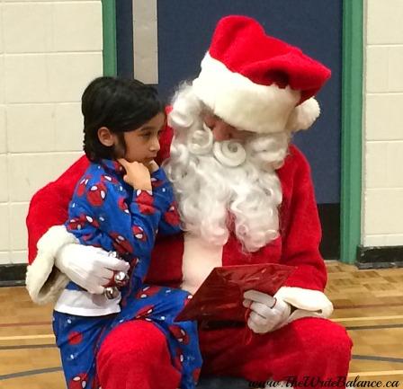 sleepover Keyan with Santa