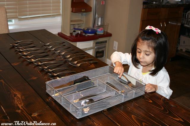 Kyah organizing utensils 2