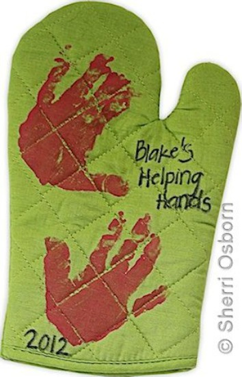 5 Homemade Mother's Day Gift Ideas - personalized oven mitt