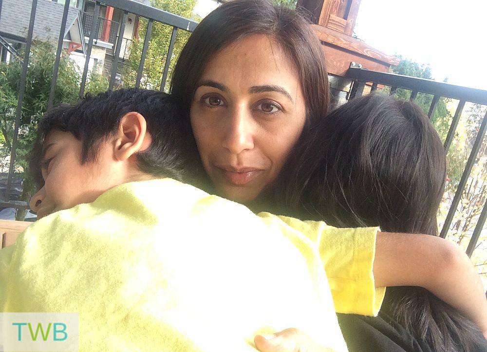 3TT - Giving Hugs