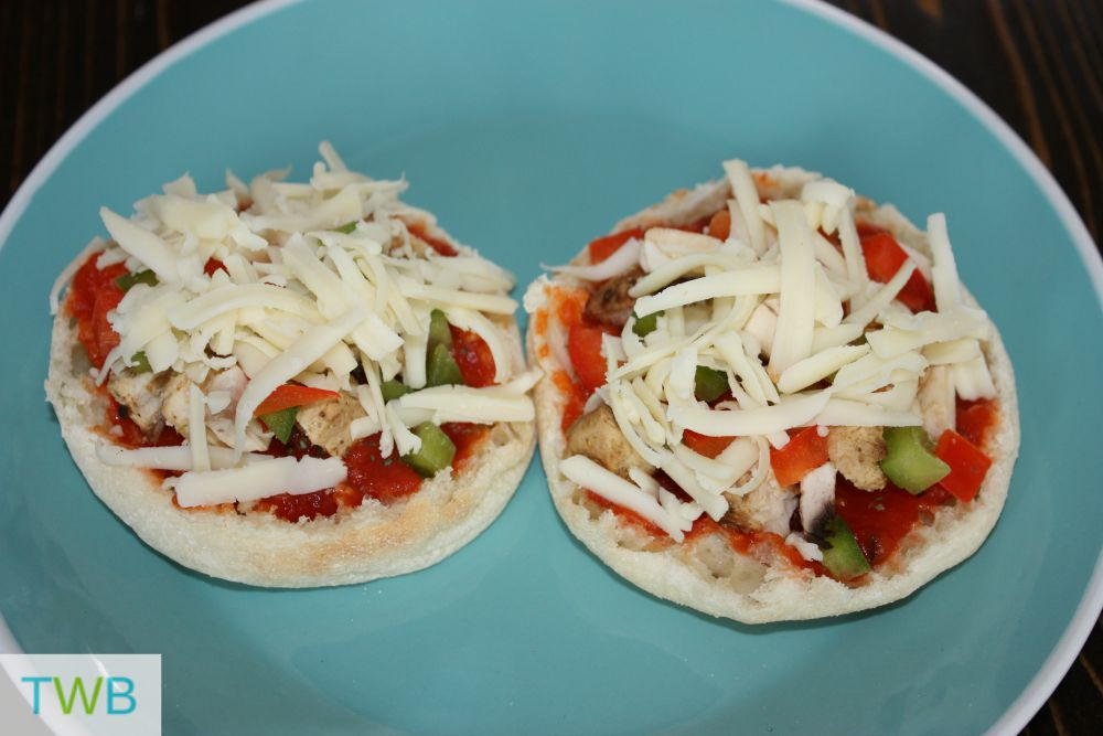 Finished English Muffin Pizza
