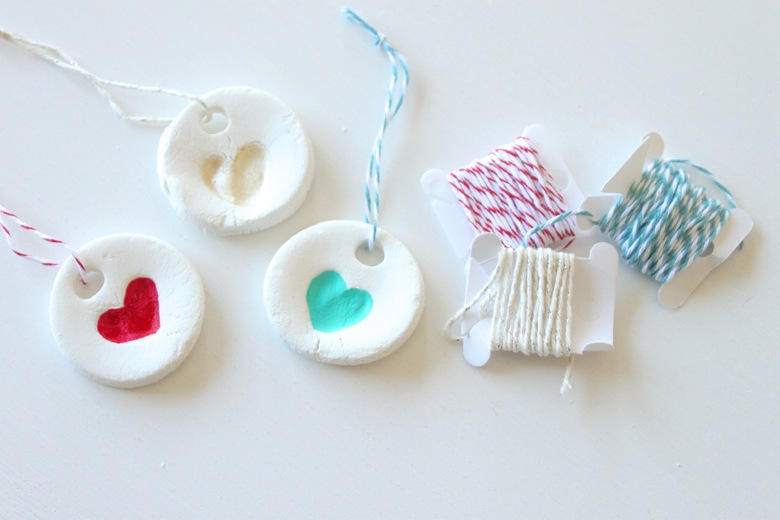 6 Homemade Ornaments to Make with the kids