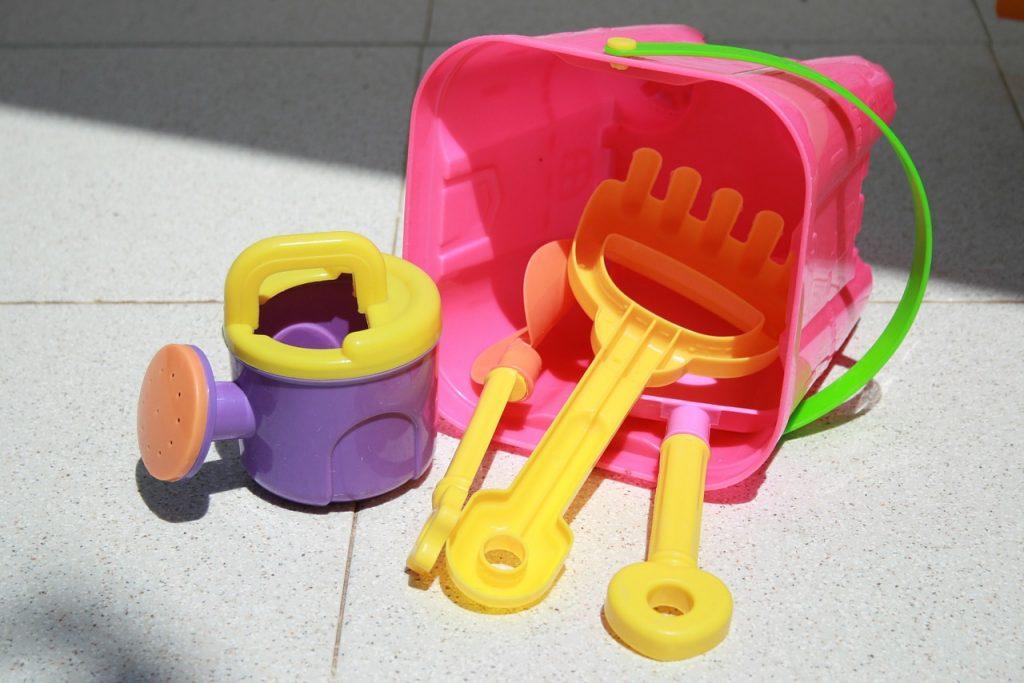 10 family beach vacation tips - Travel Beach toys