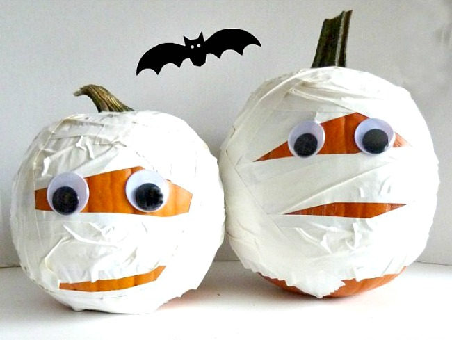 5 Pumpkin Decorating Ideas-mummy