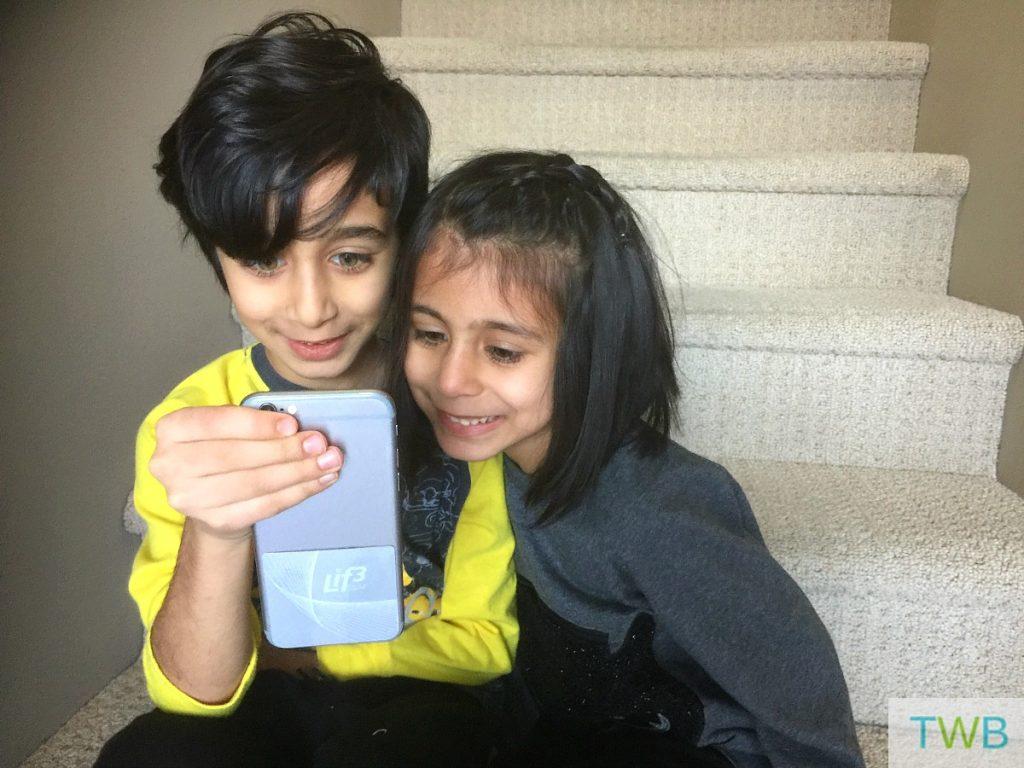 lif3-smartchip-with-kids