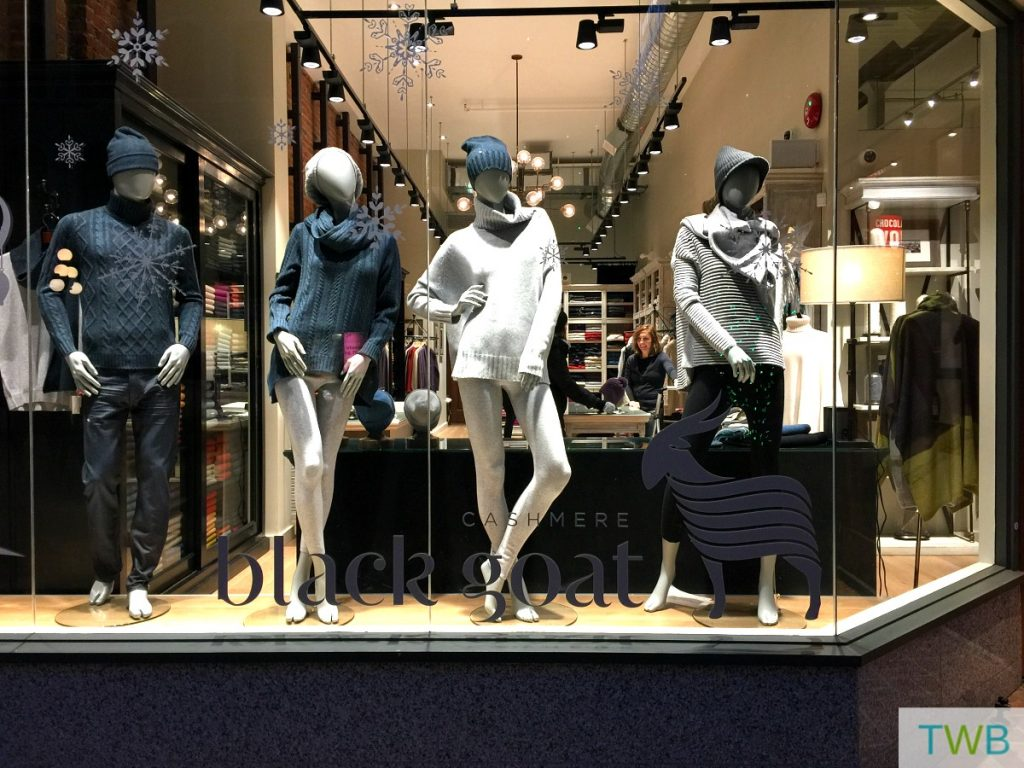 victoria-girls-trip-shopping