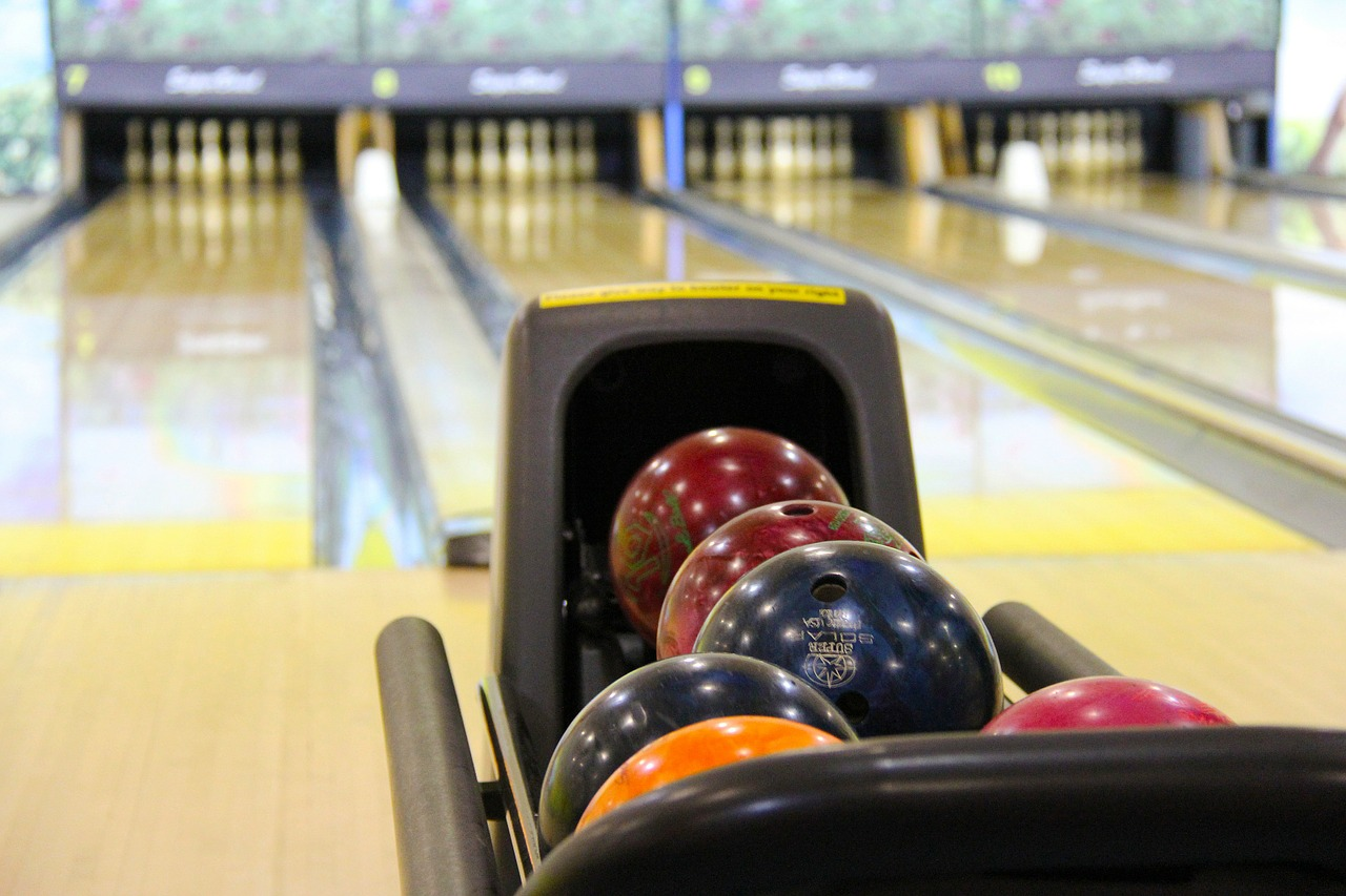 Family Birthday Party Ideas - bowling
