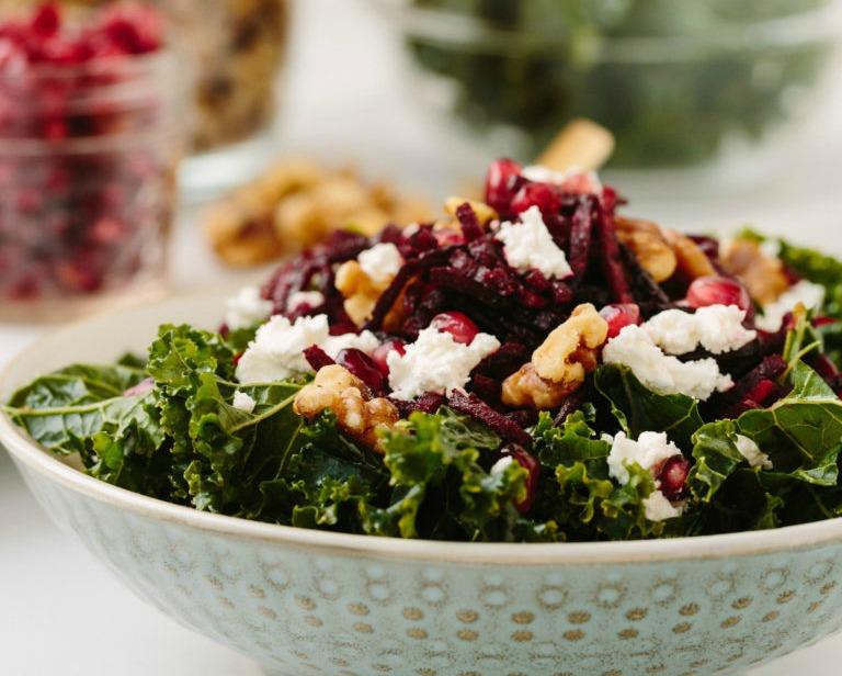 Kale Bowl with spiralized beets