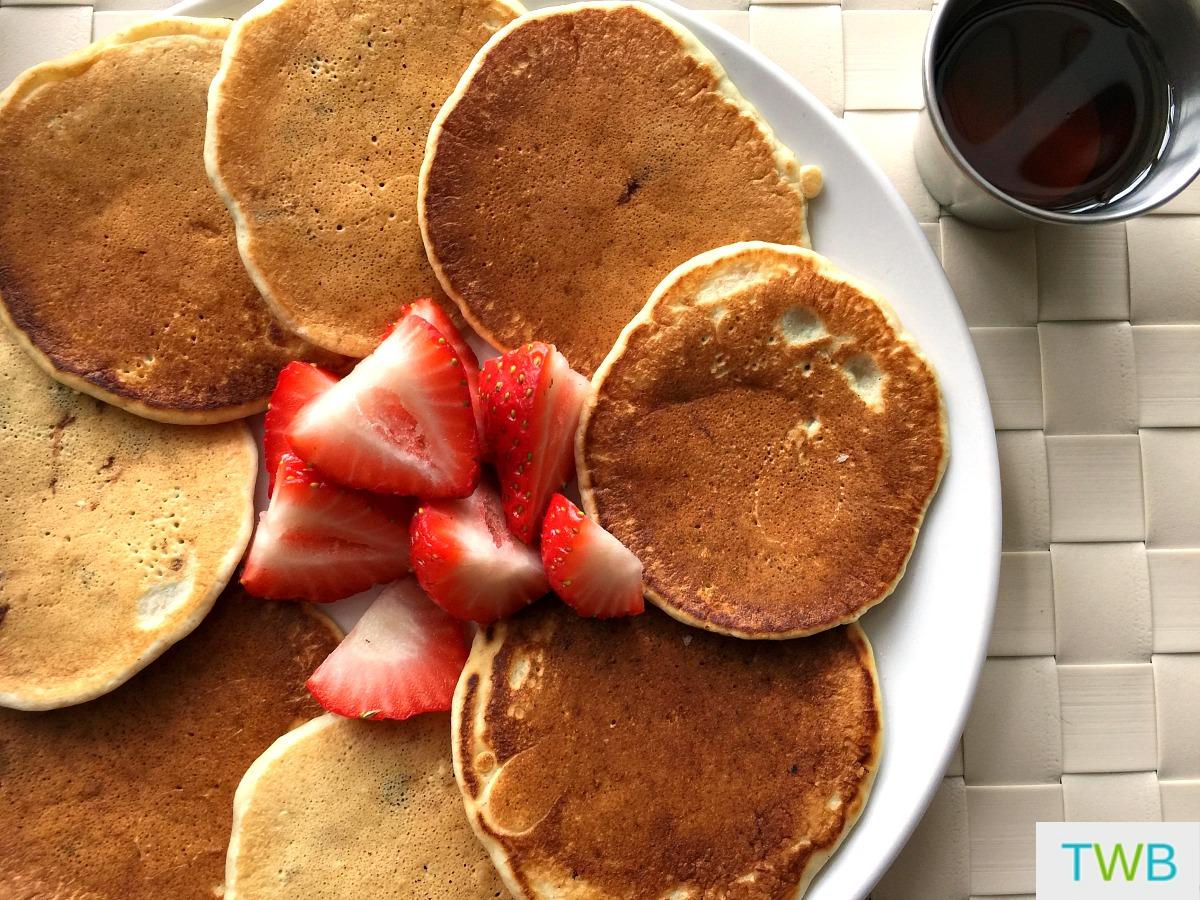 Simple Pancakes Recipe - feature