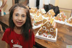 How to throw a gingerbread house party