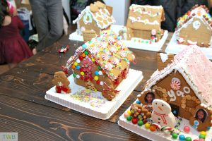 How to throw a gingerbread house party -
